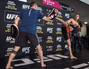 UFC 209 Open Workouts