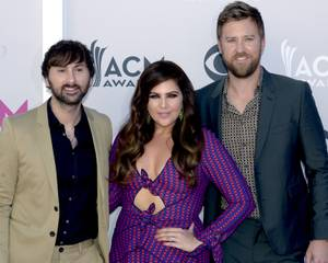 52nd Annual Country Music Awards: Red Carpet