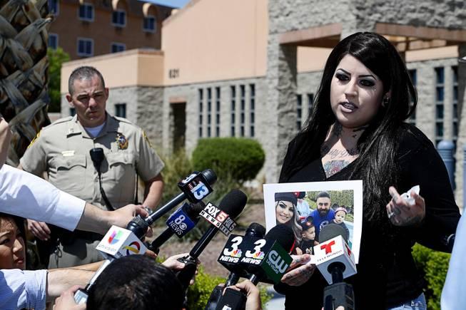 Vegas police seek attacker in fatal one-punch sidewalk death