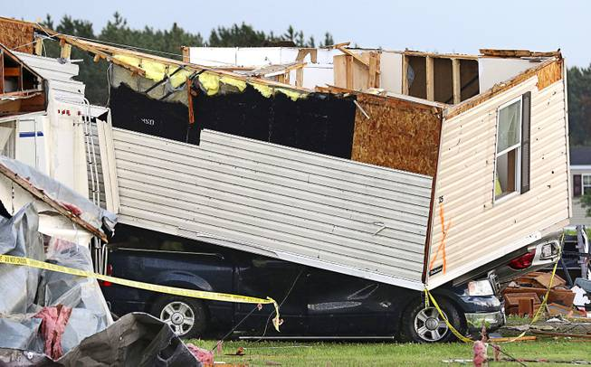 Sheriff: 1 dead after tornado hits Wisconsin trailer park