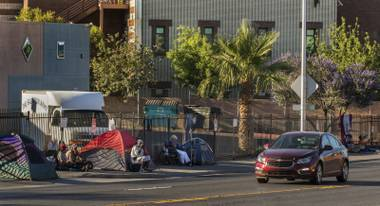 Can the private and public sectors work together to help alleviate homelessness in Las Vegas?