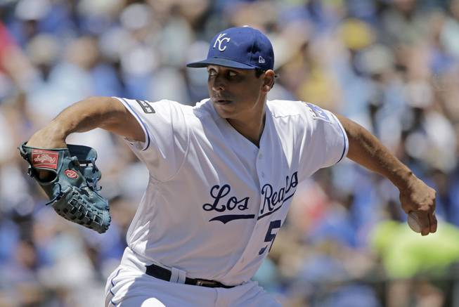 Kennedy gets 3rd straight win as Royals beat Mariners 3-1
