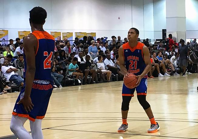 Class of 2017 prospect Matt Mitchell lines up a shot during warmups at the Adidas Summer Championships at the Cashman Center on Wednesday, July 26, 2017.
