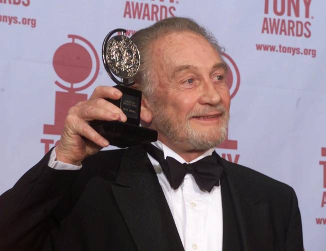 Roy Dotrice, Tony Award-winning British actor, dies at 94