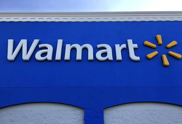 a5909ff37 Retail heavyweights Walmart and Dick s Sporting Goods have taken steps to  restrict gun sales. That follows moves by several ...