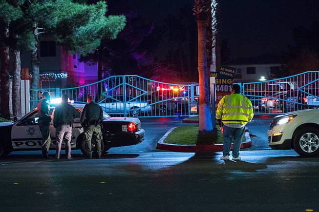 Police investigate a shooting late Wednesday, Dec. 27, 2017, at the Desert Pines Apartments, 3750 E. Bonanza Road.