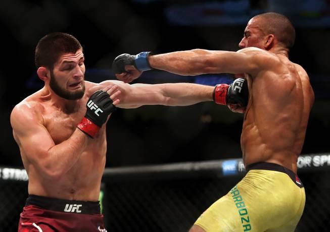 Khabib is back! Nurmagomedov beats Barboza at UFC 219