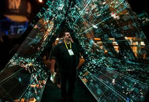 Mark Lindsay takes in the 5G Mega tunnel by Intel ...
