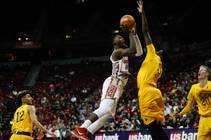 UNLV basketball beats Wyoming