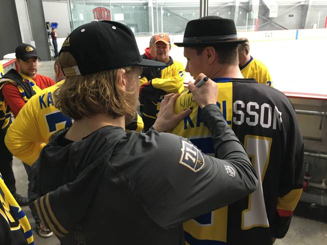 Golden Knights' Karlsson Attracting Fans From Home Country