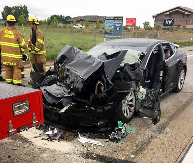 Report: Tesla in Autopilot sped up before Utah crash - Las Vegas Sun