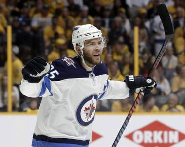 The Golden Knights made a splash on the opening day of NHL free agency Sunday morning, signing a class of 10 players headlined by coveted veteran center Paul Stastny...
