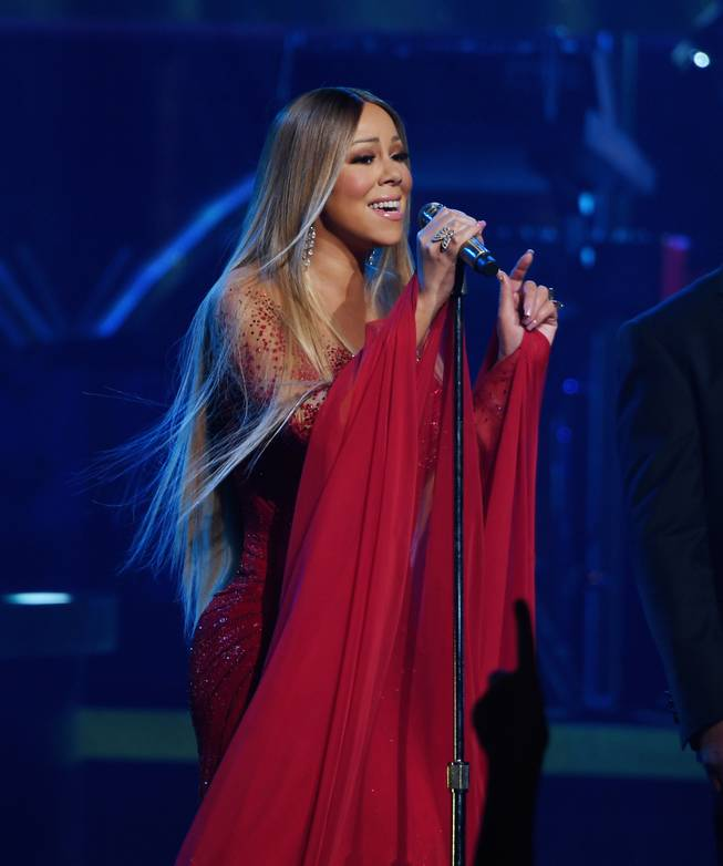 Mariah Carey captivates at the Colosseum.