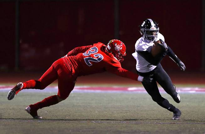 Arbor View Defeats Desert Pines 28-21