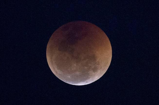 Eclipse Las Vegas >> Curtain Rising Tonight On Total Lunar Eclipse Las Vegas Sun Newspaper