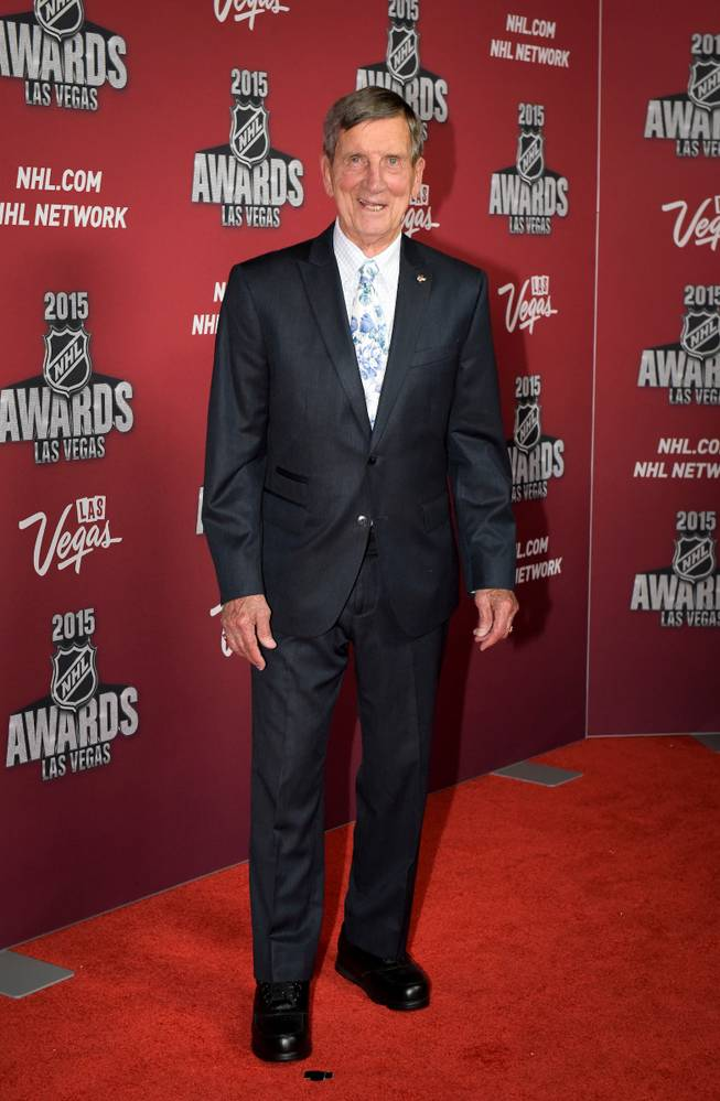 Photograph Nhl Legend Ted Lindsay Has Died At Age 93