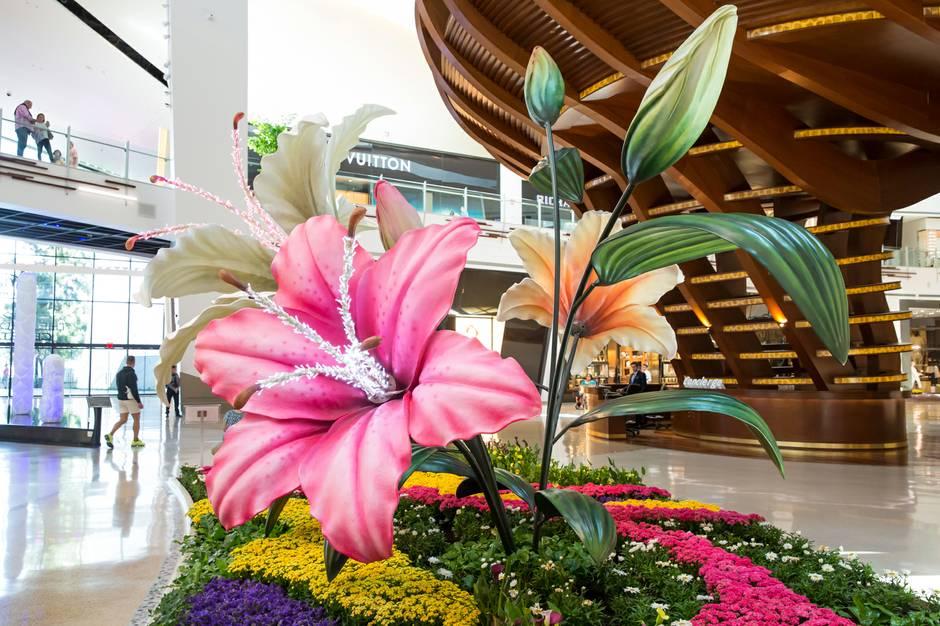 Art of Spring' at The Shops at Crystals - Las Vegas Weekly