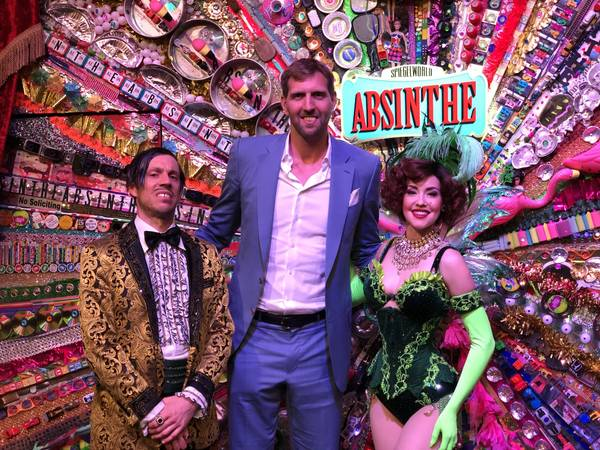 Weekend Rewind: Ribbon of Life, Dirk Nowitzki, Nappytabs and more