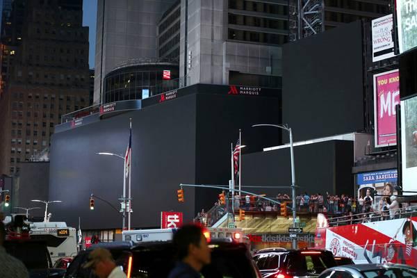 No lights, big city: Power outage KOs Broadway, Times Square