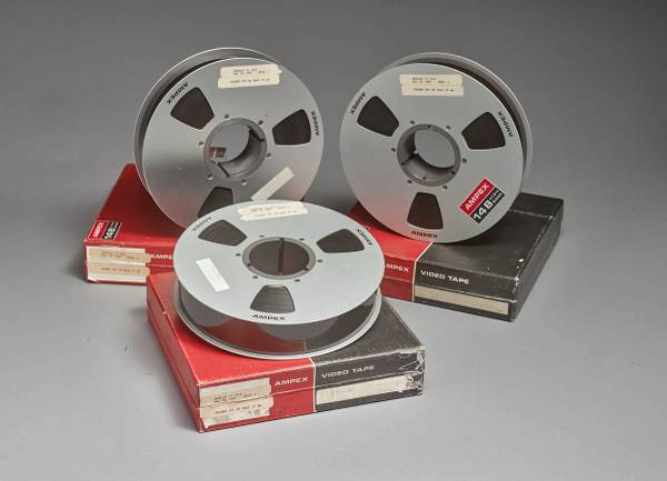 How a Las Vegas man's moon-landing tapes found in a $218 batch could fetch $1M