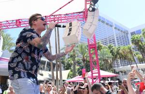 Mark McGrath at Flamingo Go Pool