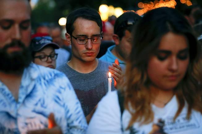Ohio gunman's ex-classmates decry missed chances to stop him - Las