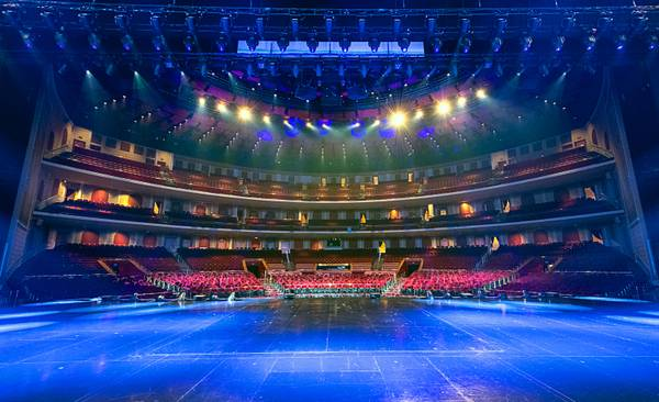 Curtain Up: The new Colosseum, Frankie Moreno, Drew Carey and more
