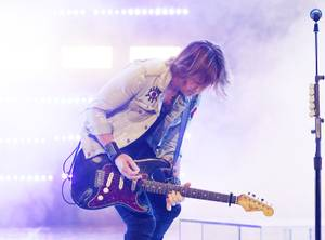 "Country music star Keith Urban performs during his ""Graffiti U ..."